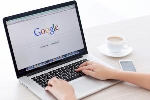 cliente-buscando-en-google